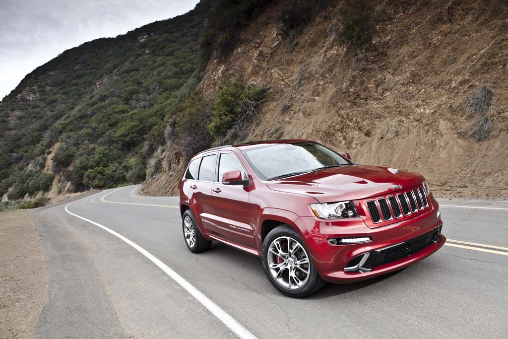 First Look Jeep Grand Cherokee SRT8  TheDetroitBureaucom