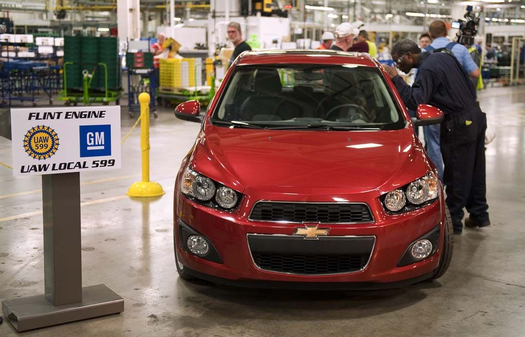 GM Opens EV Motor Plant – Then Pumps Big Bucks into Conventional Gas Engine Factory