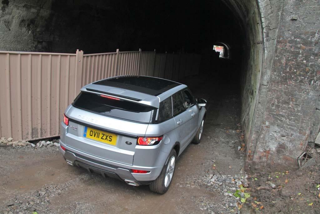 england tunnel auto