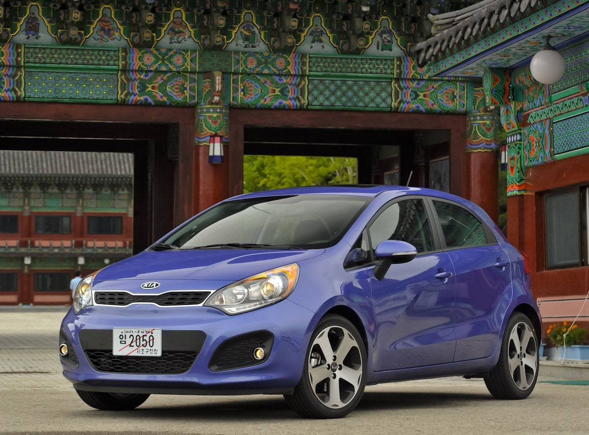first drive 2012 kia rio hatchback. Black Bedroom Furniture Sets. Home Design Ideas