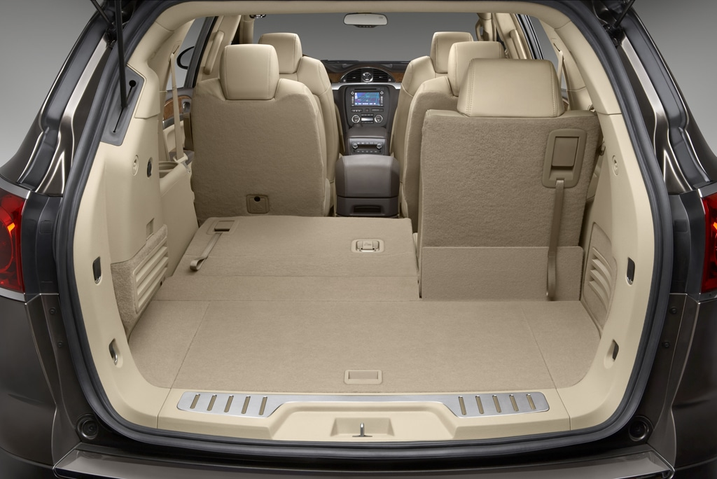Buick Enclave Seating Capacity >> Buick Enclave Looks Like A Lady Thedetroitbureau Com