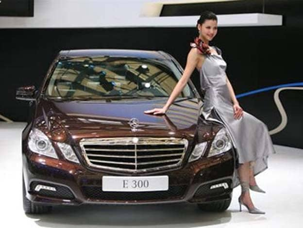 Chinese Car Sales Rebound But Prices Plunge