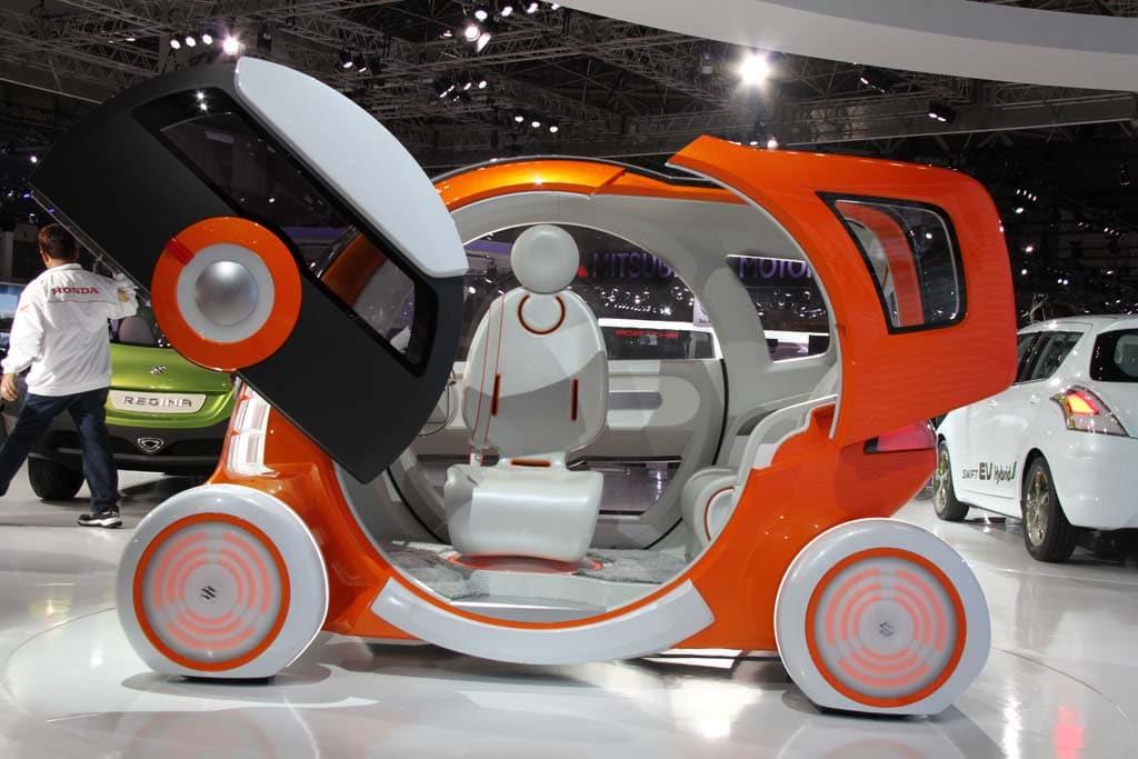 Suzuki Keeps Tradition Alive with the Wacky Q-Concept and Retro-Futuristic Regina.