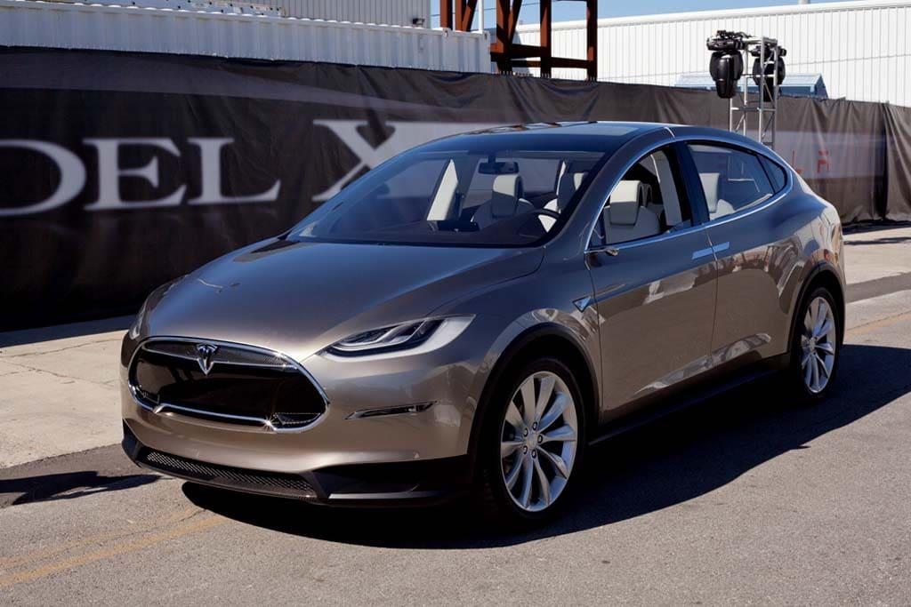 Tesla Reveals New Model X Crossover   TheDetroitBureau.com