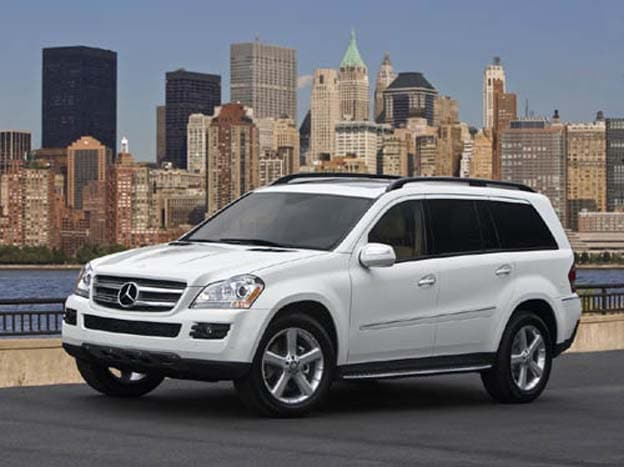 Mercedes bringing new gl crossover to new york for Mercedes benz gl450 suv