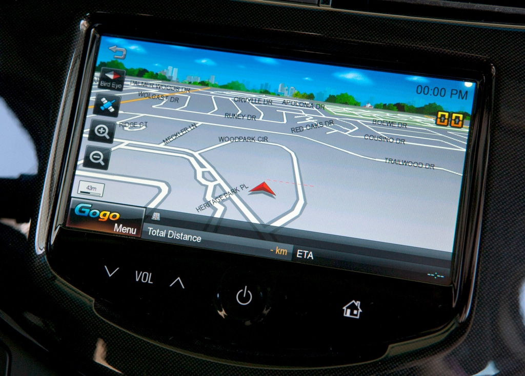 """Chevy Says """"Gogo"""" With Low-Cost App-Based Nav System"""