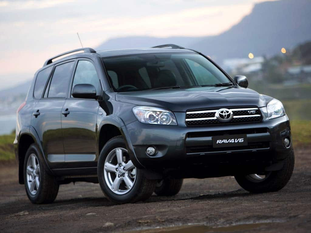 toyota recalls nearly 800 000 hybrids suvs. Black Bedroom Furniture Sets. Home Design Ideas