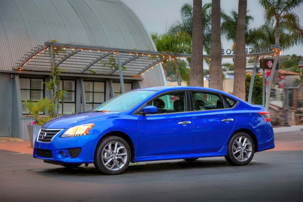 First Look: 2013 Nissan Sentra