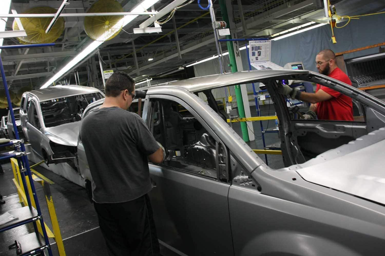 Fiat Chrysler Cutting Shift at Canadian Minivan Plant
