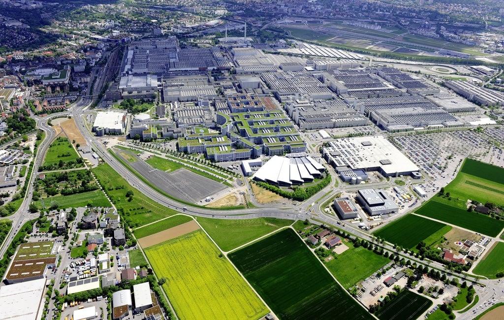 Daimler Cuts Production at Largest Plant ...  Sindelfingen