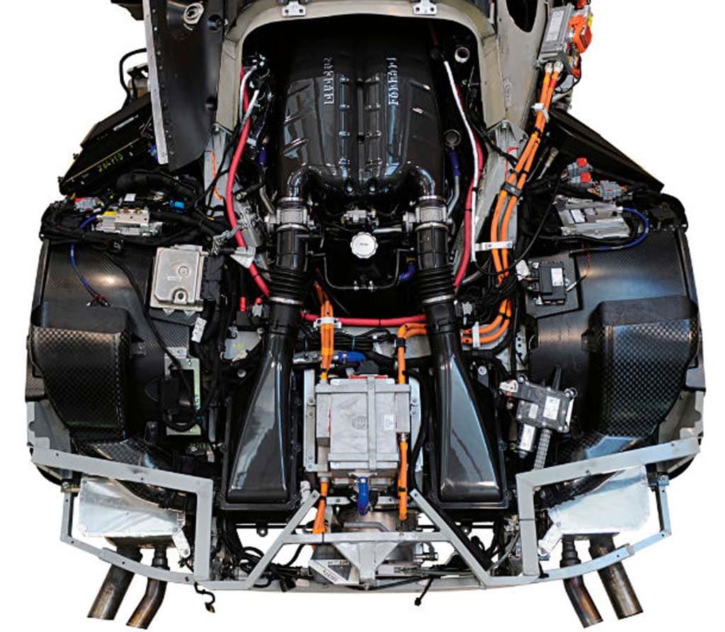 The new Ferrari's engine ...