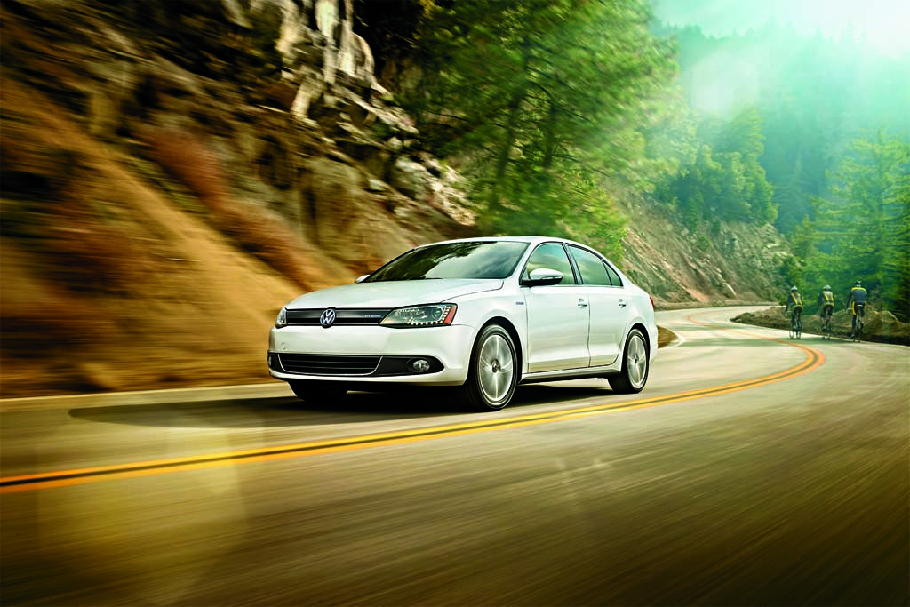 first drive 2013 volkswagen jetta hybrid. Black Bedroom Furniture Sets. Home Design Ideas