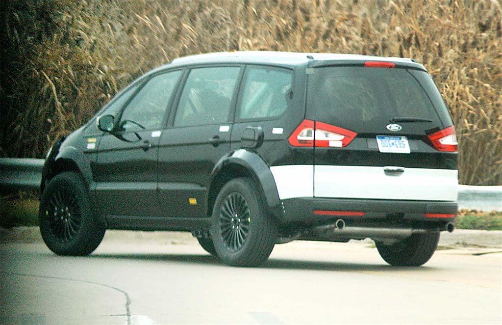 Spy Shots Ford Galaxy Van Thedetroitbureau Com