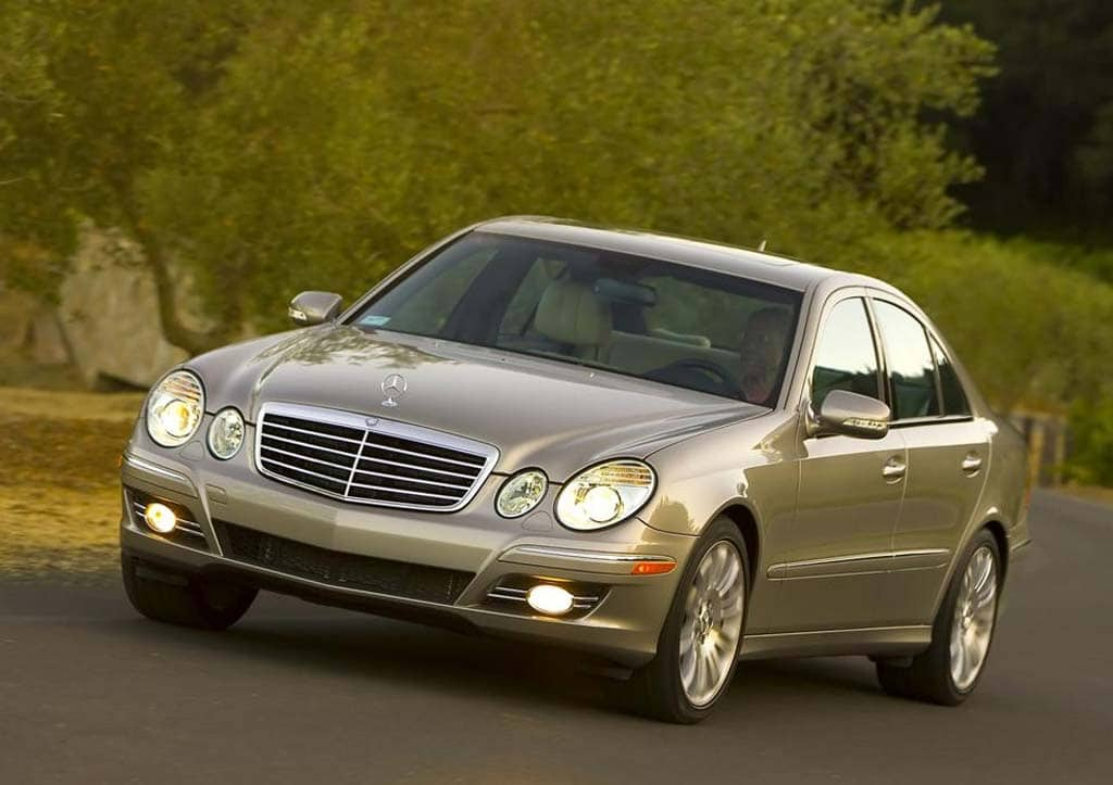 feds investigate reports of mercedes e class fuel leaks. Black Bedroom Furniture Sets. Home Design Ideas