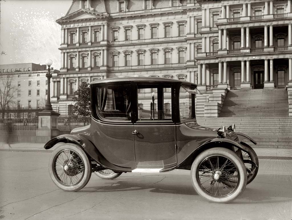 Detroit Electric Teases New Battery Sports Car | TheDetroitBureau.com