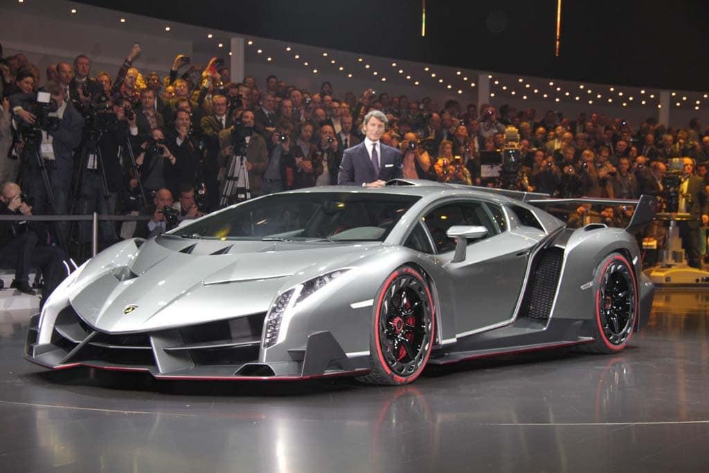 Lamborghini Veneno Shown ...