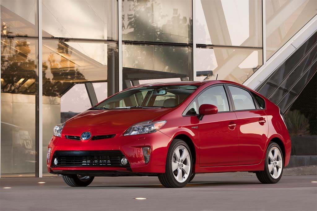 Toyota Prepping Next-Generation Hybrid Drive