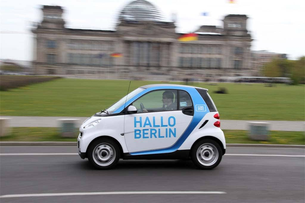 BMW and Mercedes-Benz Will Merge Their Mobility Services Operations