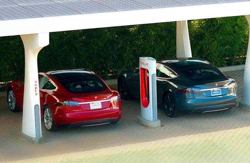 Tesla Plans Cross-Continent Expansion of Supercharger Network