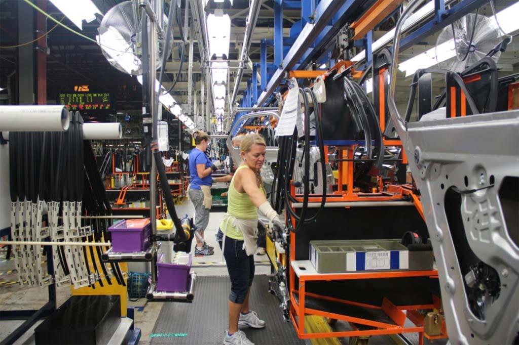 General Motors Investing $900 Million in Plants