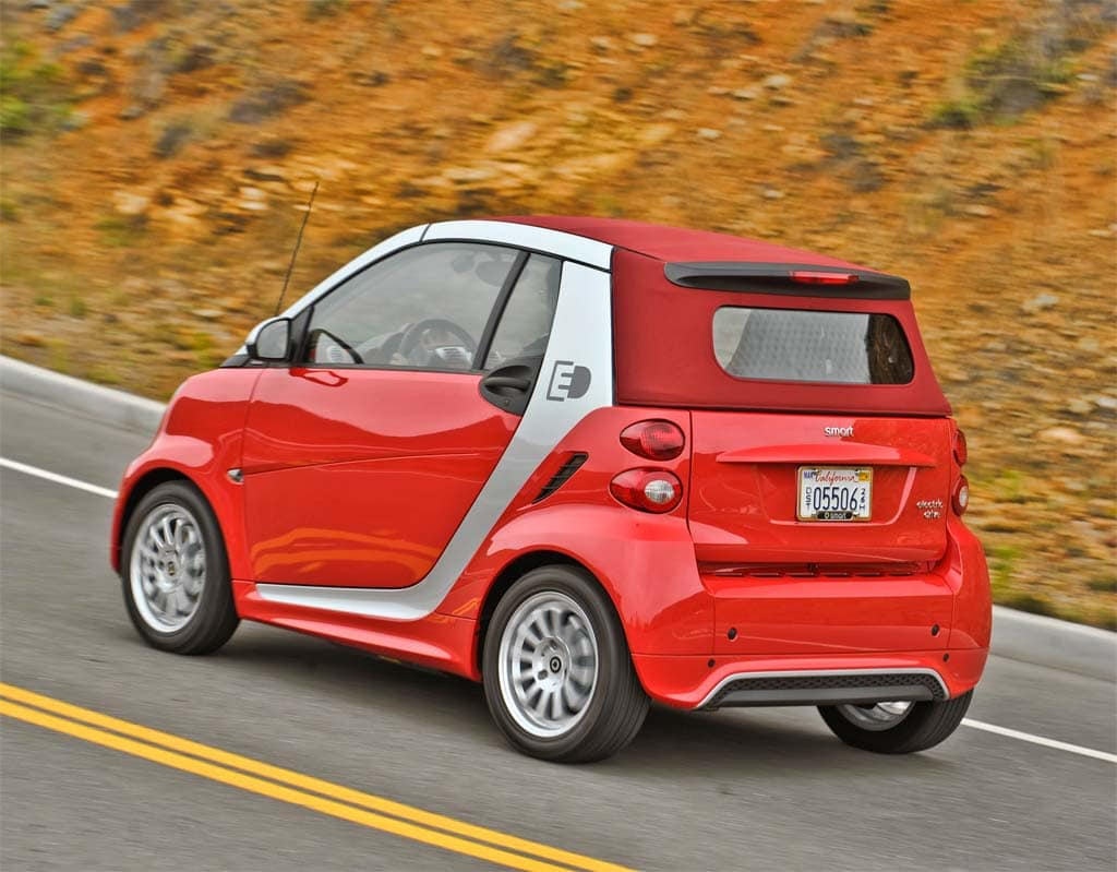 first drive 2013 smart fortwo electric drive. Black Bedroom Furniture Sets. Home Design Ideas