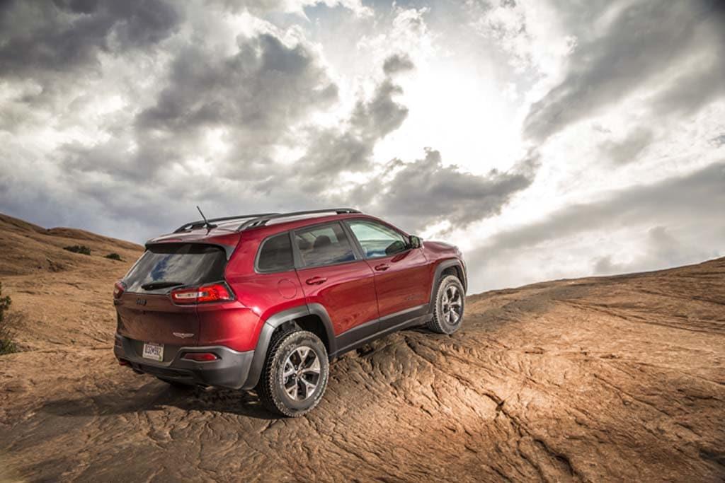 Chrysler Earnings Quadruple in Q4