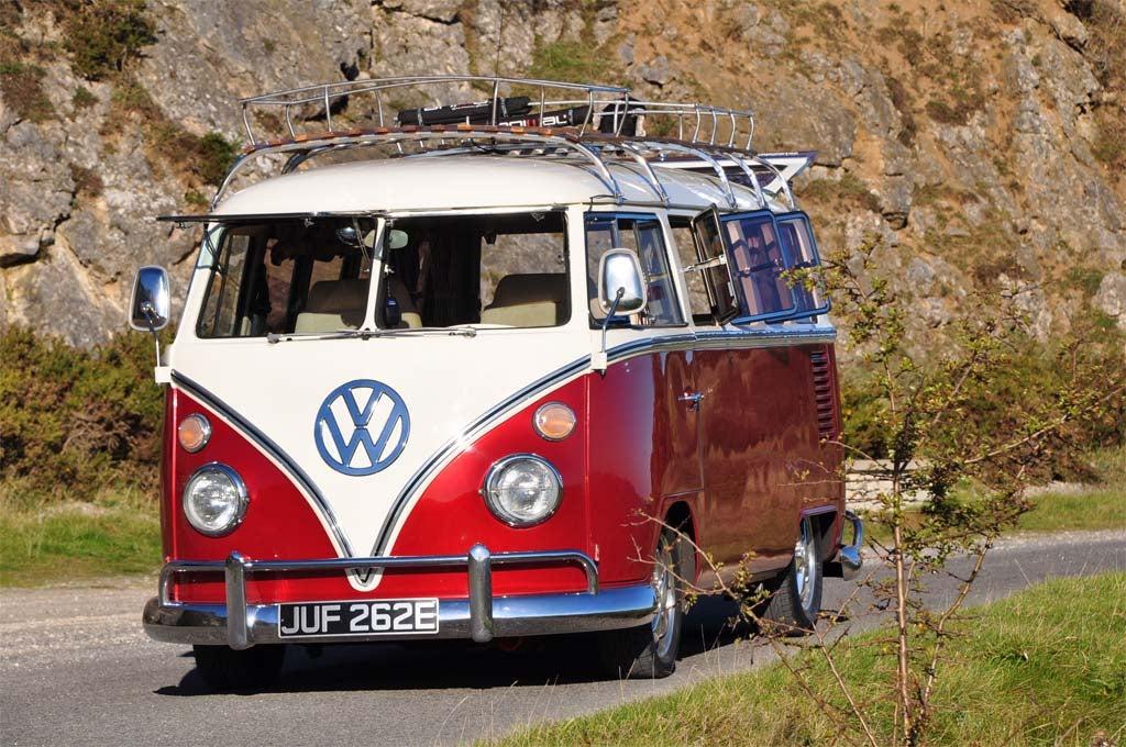 Vw finally packs it up for the aging camper van for Interieur combi split