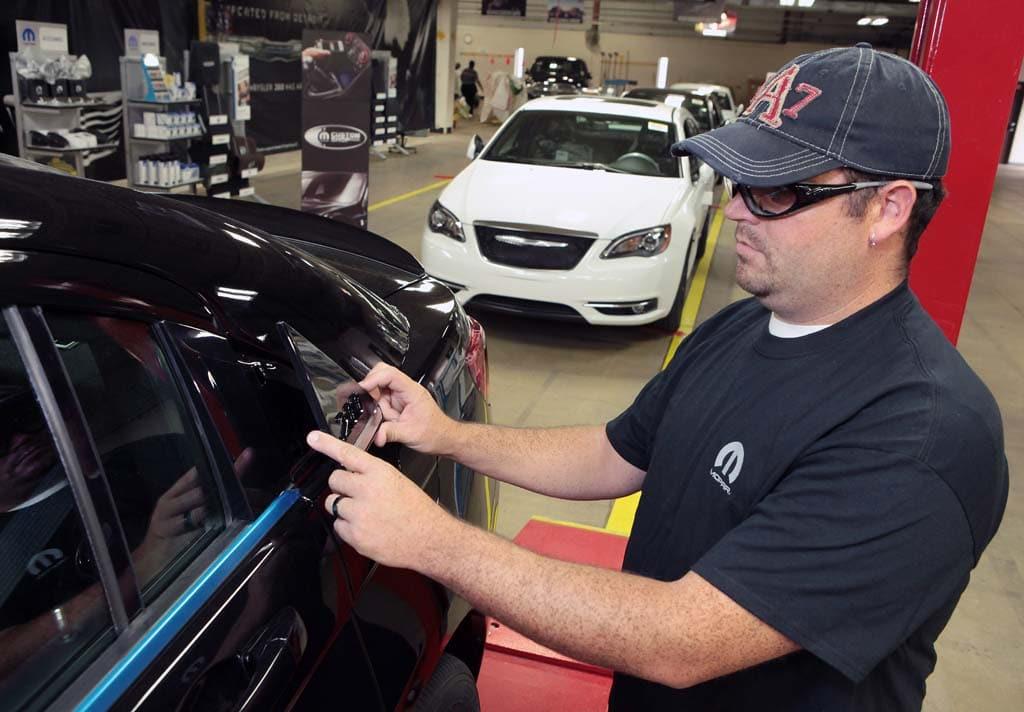 Mopar Bridging The Gap Between Factory And Aftermarket - Chrysler shop