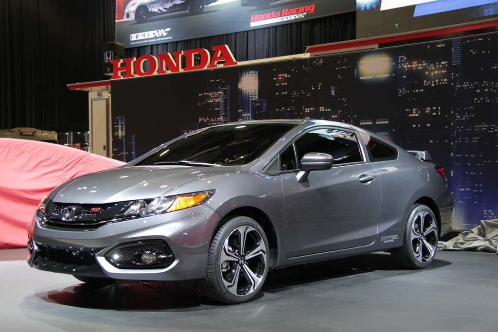 honda rolls out 2014 civic coupe adds more muscle to cr z hybrid. Black Bedroom Furniture Sets. Home Design Ideas