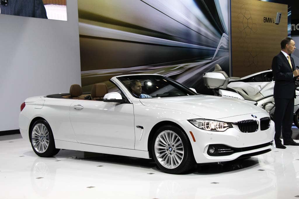 bmw builds buzz with new 4 series convertible bmw 4 series cabriolet top down. Black Bedroom Furniture Sets. Home Design Ideas