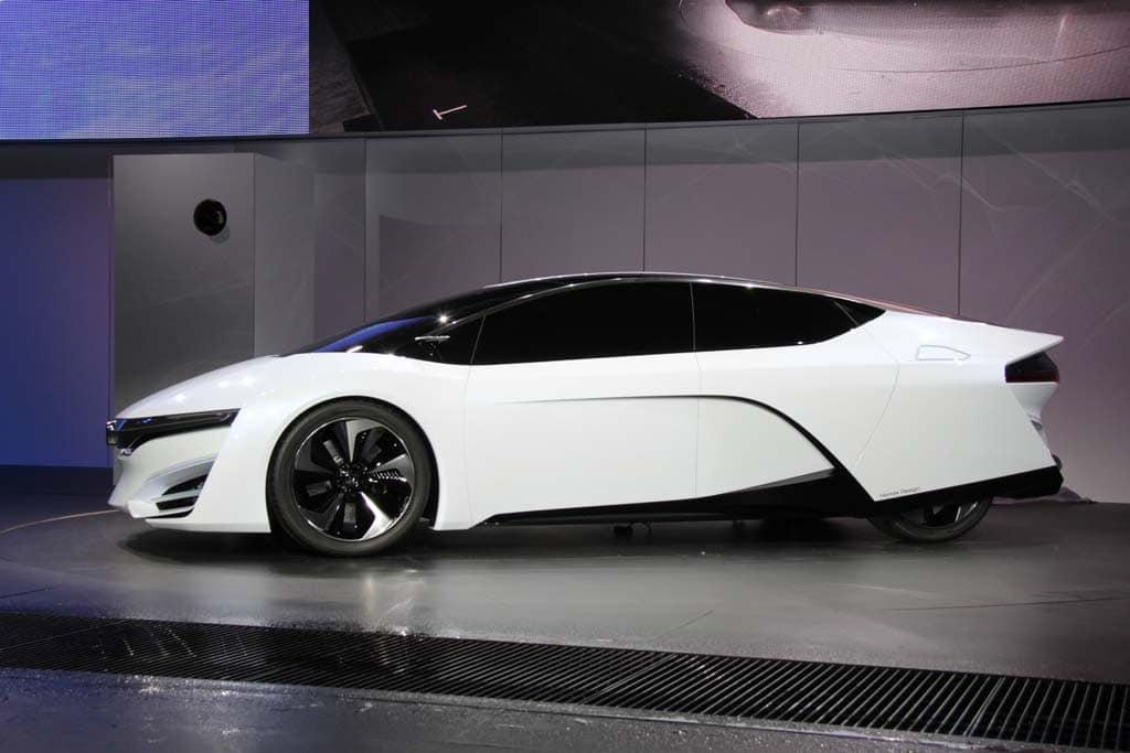 Geneva Auto Sales >> Hyundai Hopes to Fire Up Hydrogen Car Market Honda FCEV - side – TheDetroitBureau.com