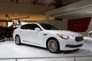 Kia is counting on the K900 to help reshape the maker's image among luxury buyers.