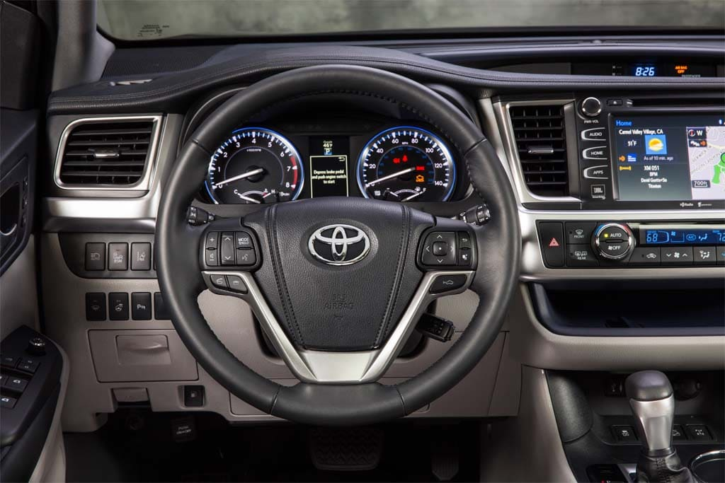 Toyota Made Some Significant Upgrades To The 2014 Highlanderu0027s Interior.