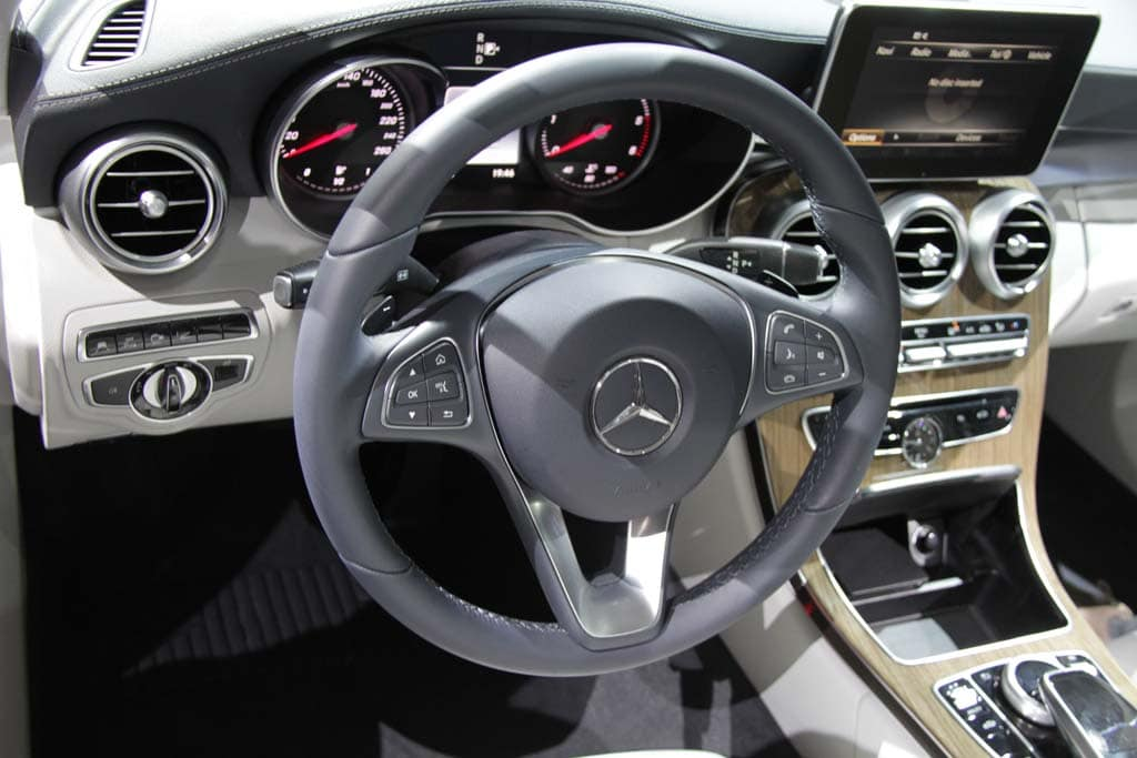 2015 mercedes c class interior for Mercedes benz c class 2015 interior