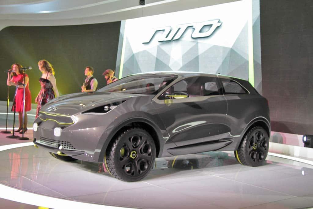 kia niro concept hints at possible urban hybrid vehicle kia niro concept. Black Bedroom Furniture Sets. Home Design Ideas