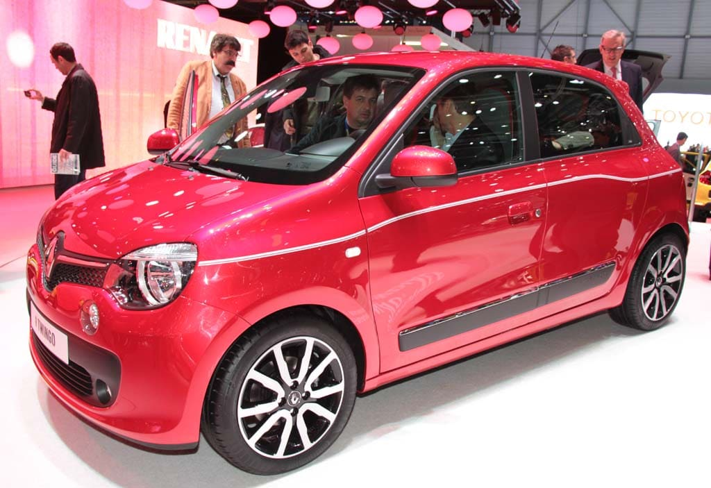 new renault twingo offers hint of new smart forfour. Black Bedroom Furniture Sets. Home Design Ideas