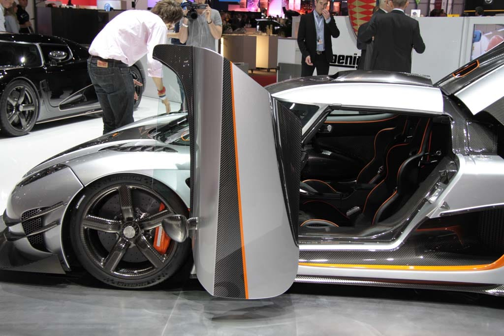 Koenigsegg Agera One 1 Smashes Through 1300 Hp Barrier