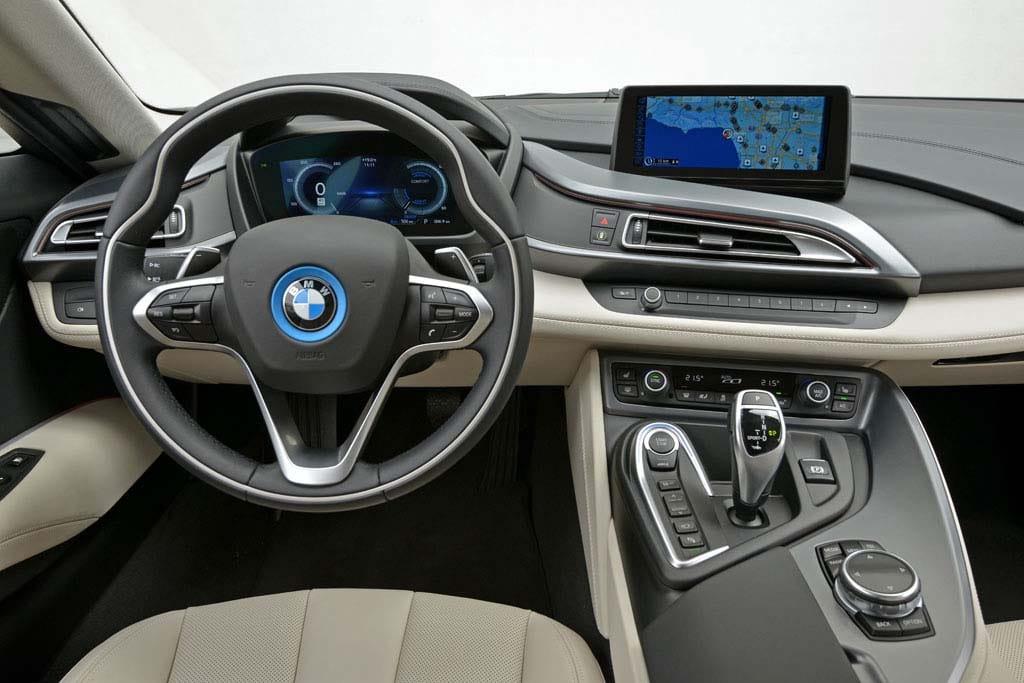 Driving the new BMW i8 BMW i8   interior – TheDetroitBureau.com