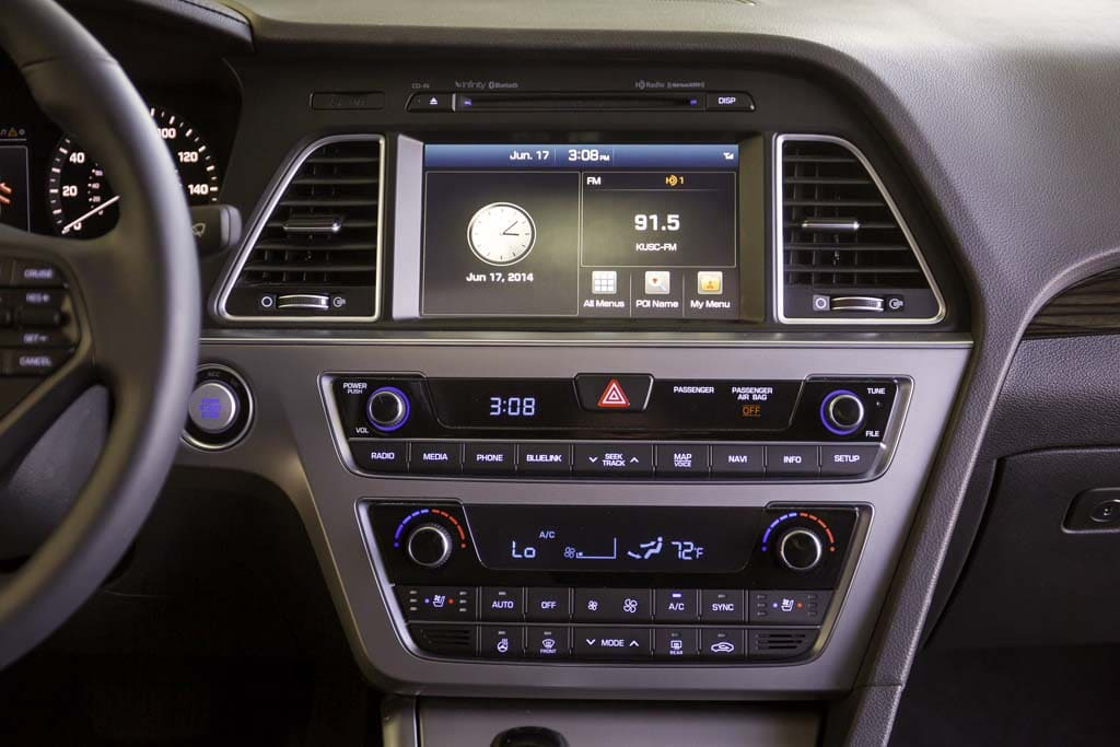 Perfect The Instrument Panel Of The 2015 Sonata Is Less Cluttered   But The  Infotainment Screen Is Good Ideas
