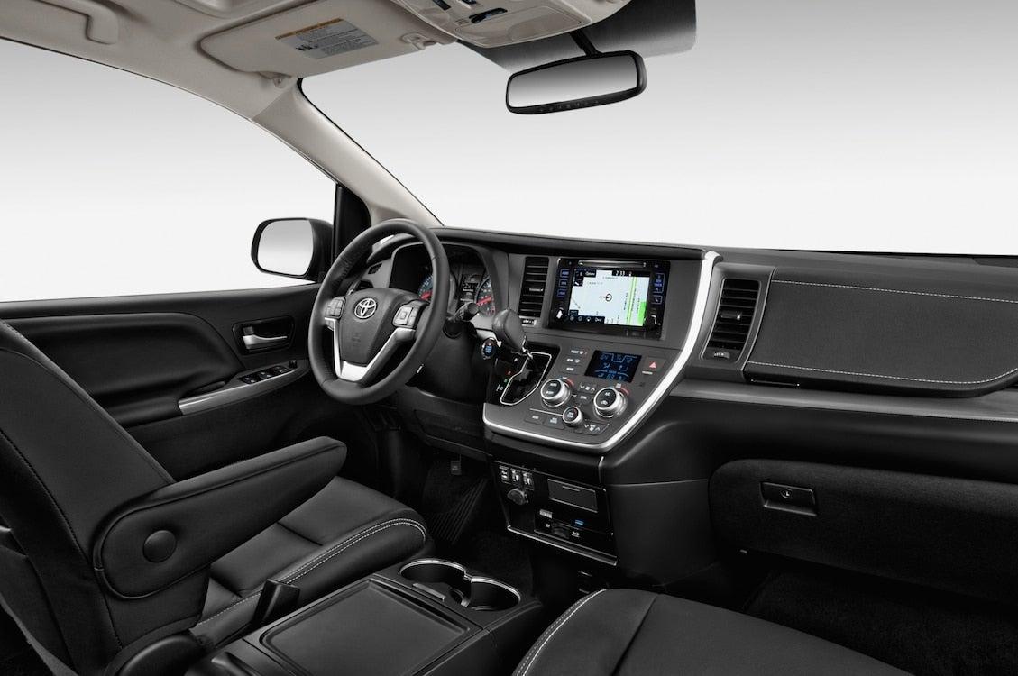 2015 Toyota Sienna SE interior | TheDetroitBureau.com