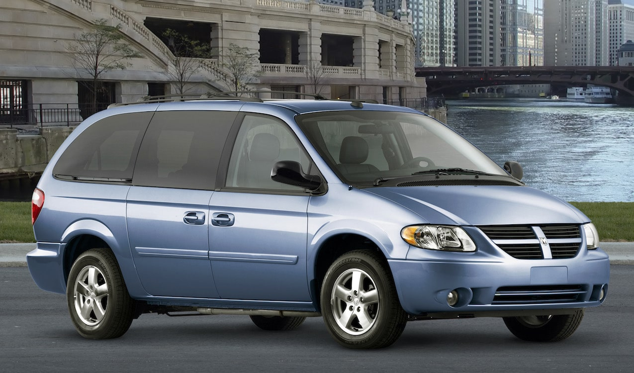 feds looking at chrysler minivans for stalling problem. Black Bedroom Furniture Sets. Home Design Ideas
