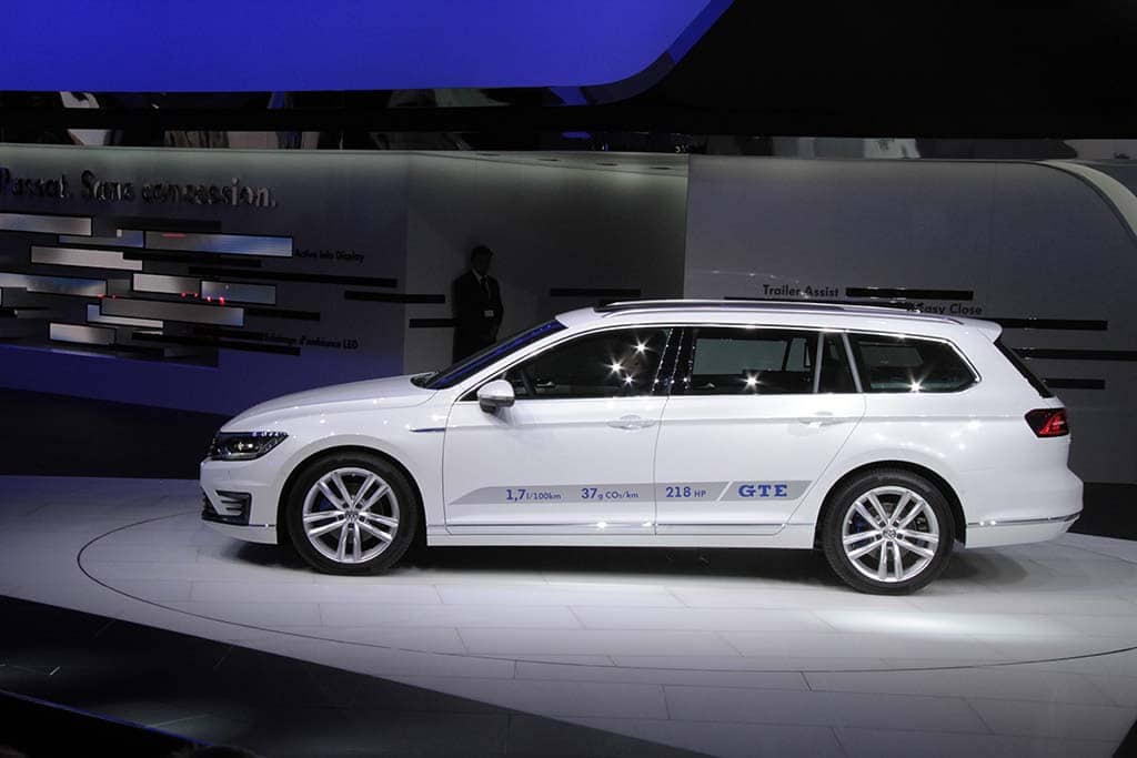 VW Plugs-in with New Battery Passat GTE Model