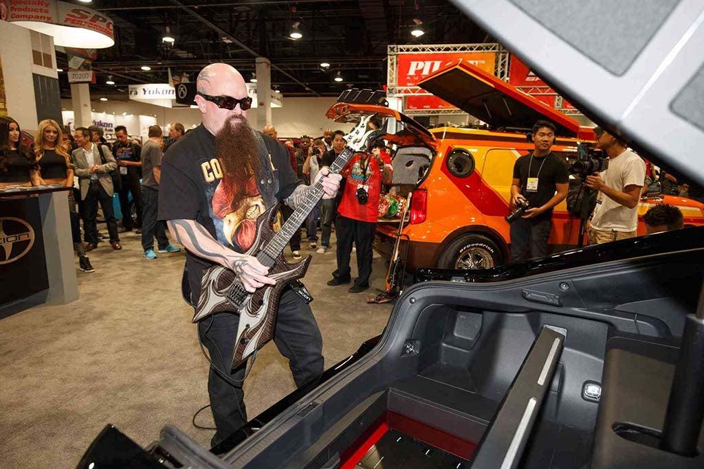 scion goes heavy metal at sema slayer guitarist kerry king at scion sema stand. Black Bedroom Furniture Sets. Home Design Ideas