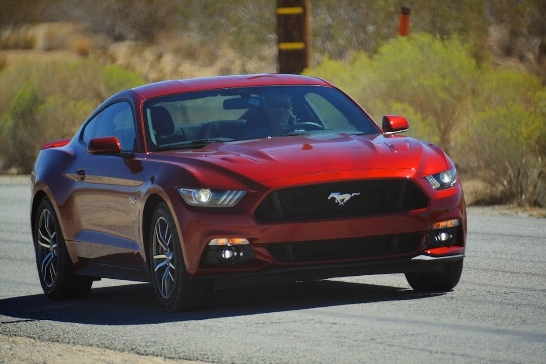 mustang gallops past camaro in 2015 pony car sales. Black Bedroom Furniture Sets. Home Design Ideas