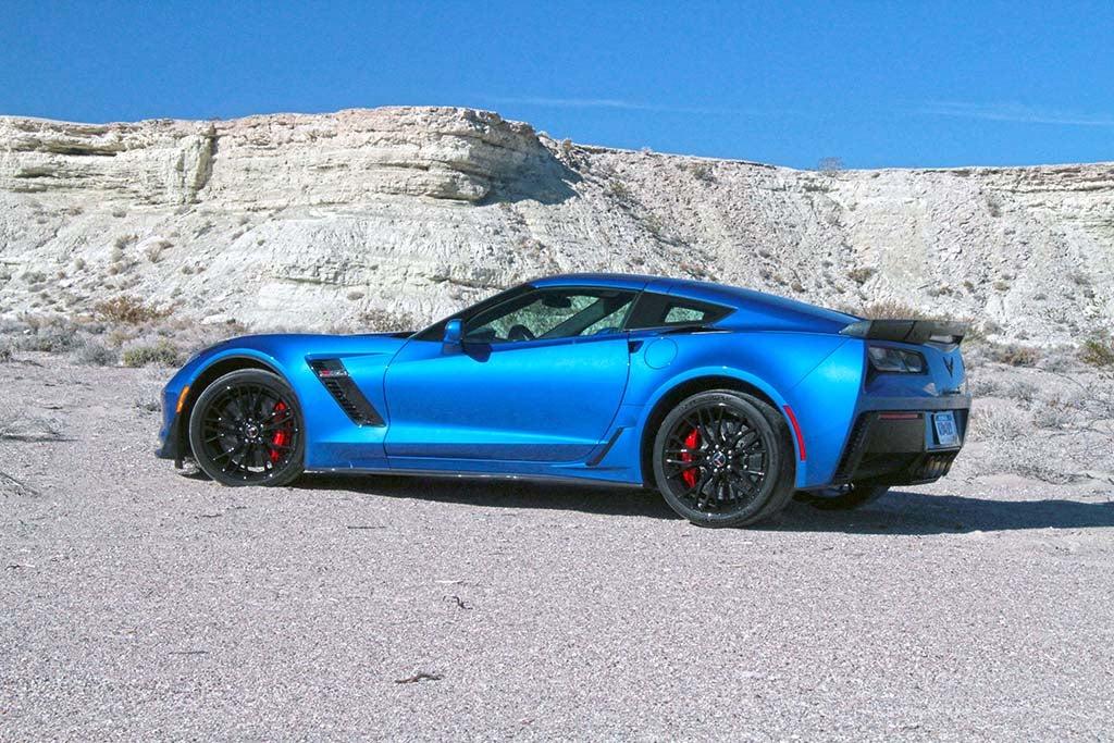 2015 Corvette Z07 - desert side blue
