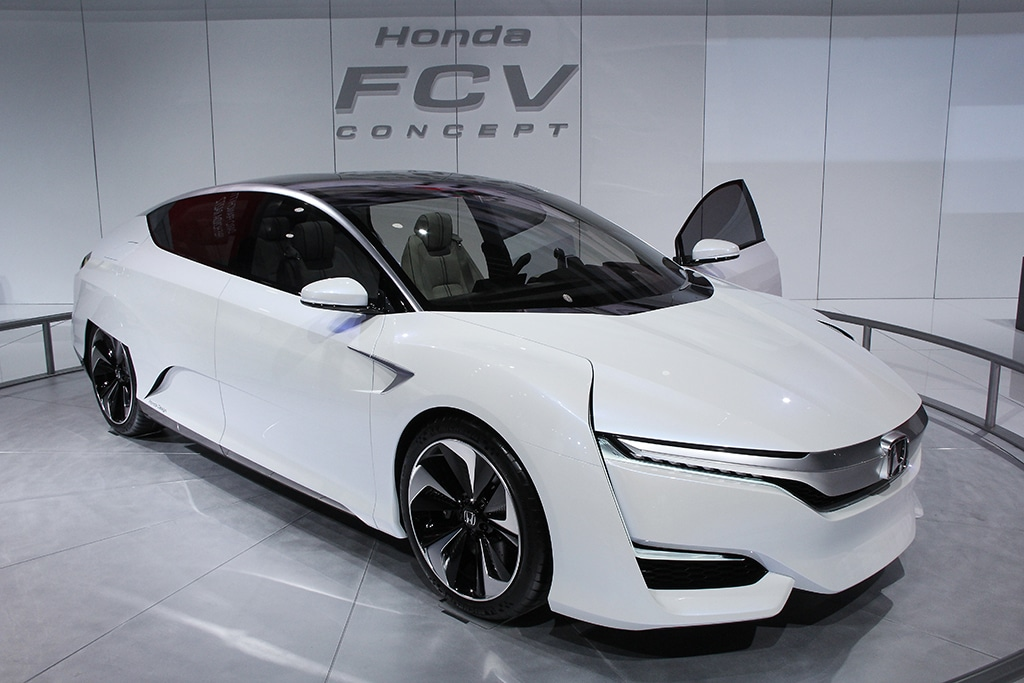 how do hydrogen fuel cell vehicles work union of autos post. Black Bedroom Furniture Sets. Home Design Ideas