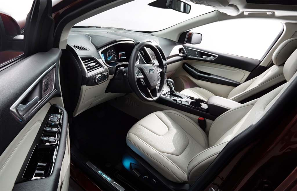 The 2015 Edge Retains Its Original 2 Row, 5 Seat Layout.