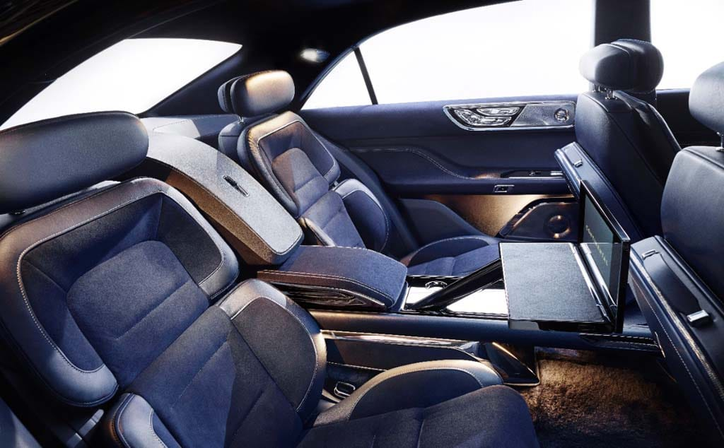 http://www.thedetroitbureau.com/wp-content/uploads/2015/03/2015-Lincoln-Continental-Concept-interior.jpg