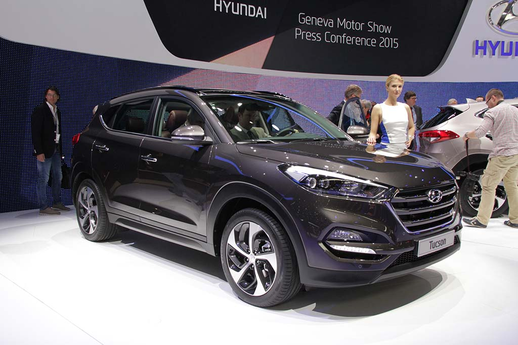 hyundai pulls wraps off 2016 tucson hyundai tucson 2015 geneva debut. Black Bedroom Furniture Sets. Home Design Ideas