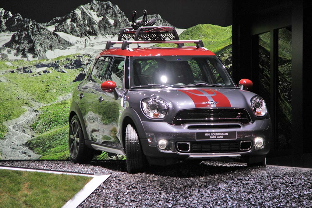 mini goes upscale with countryman park lane mini countryman park lane. Black Bedroom Furniture Sets. Home Design Ideas